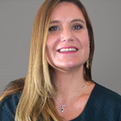 Renata Velloso (MD)